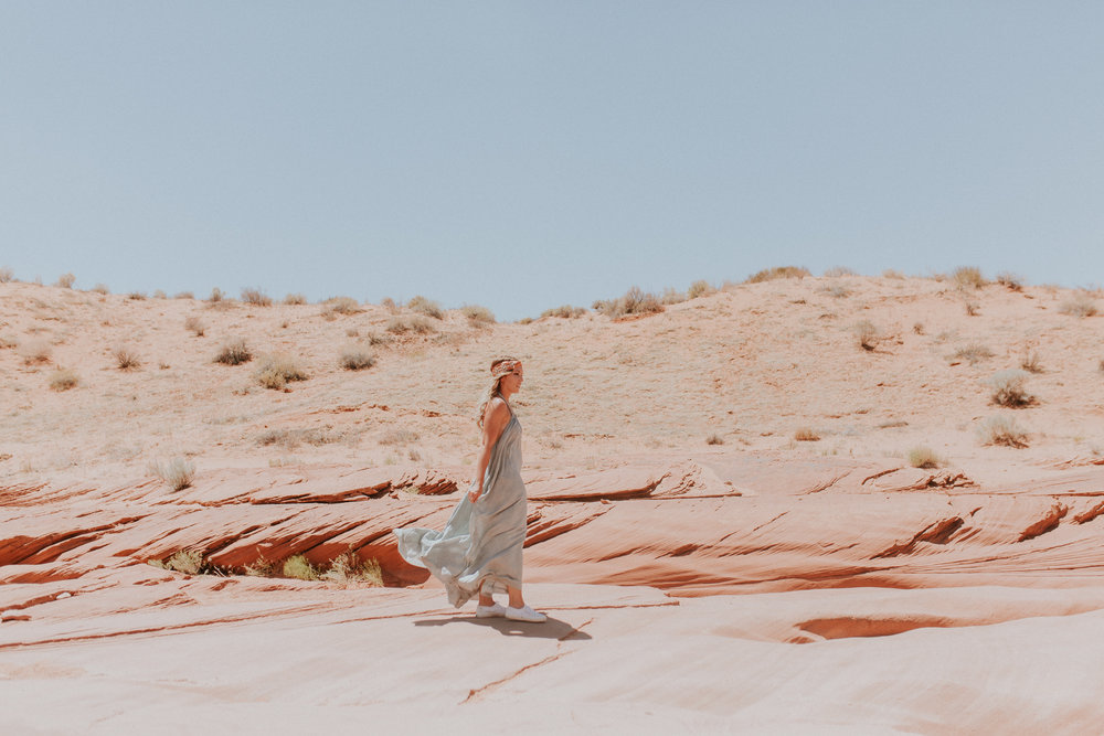 Blogger Gracefully Taylored in Vici Dolls at Antelope Canyon(37).jpg