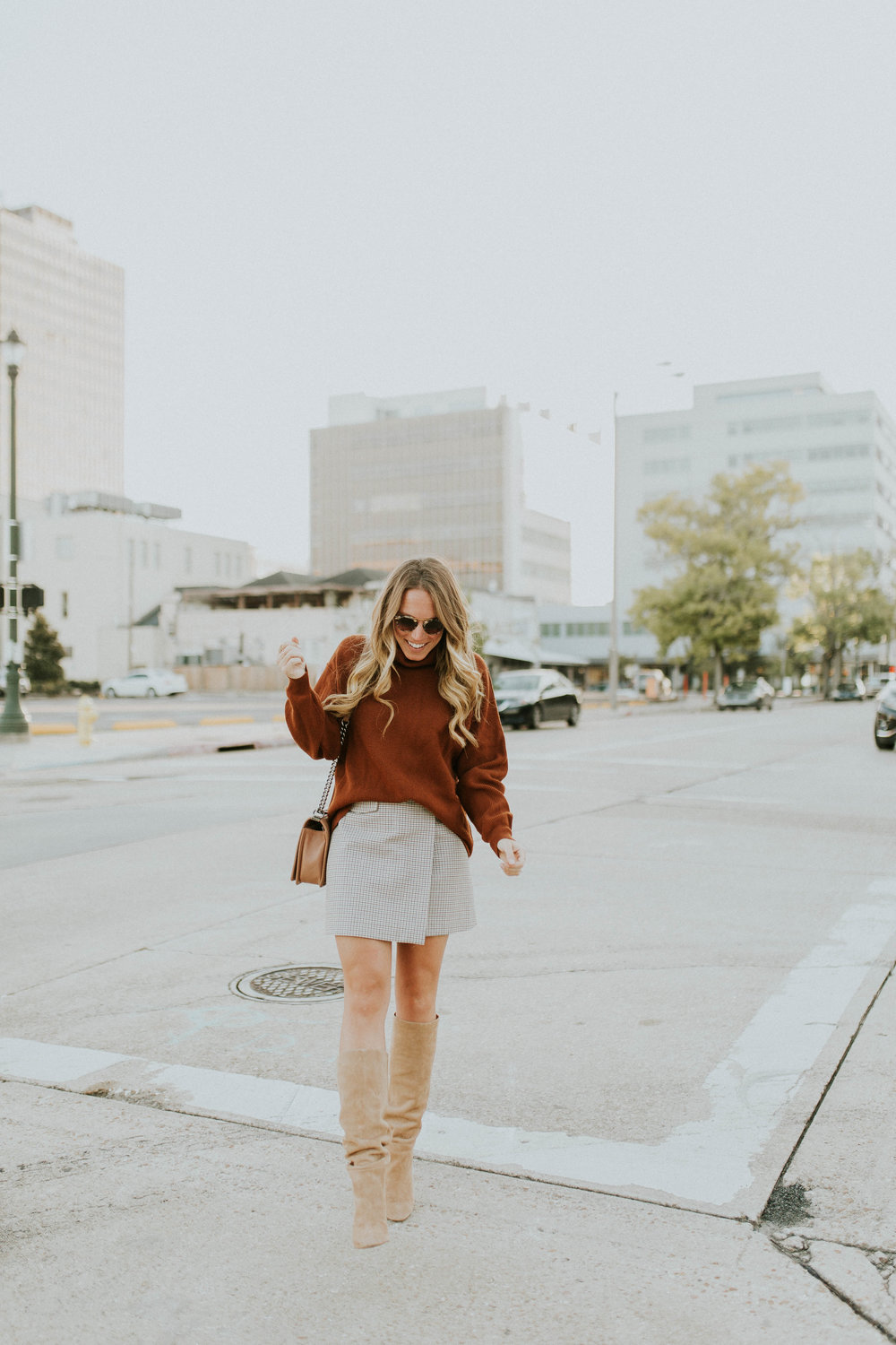 Blogger Gracefully Taylored in Free People Sweater and Theory Skirt(11).jpg
