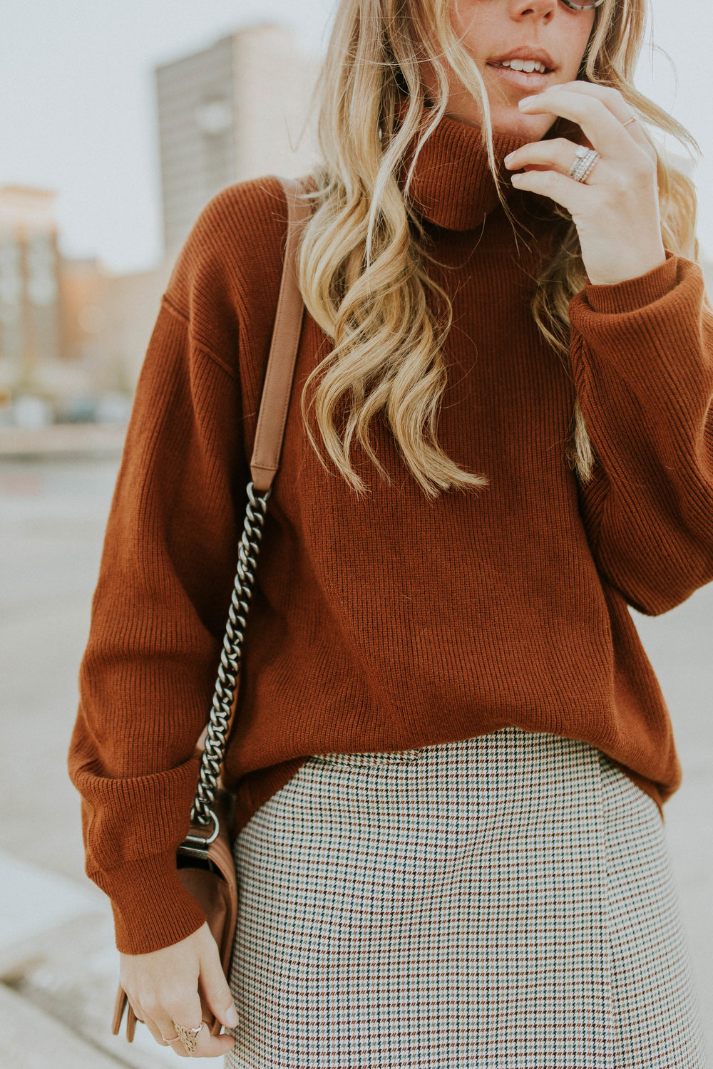 Blogger Gracefully Taylored in Free People Sweater and Theory Skirt(20).jpg