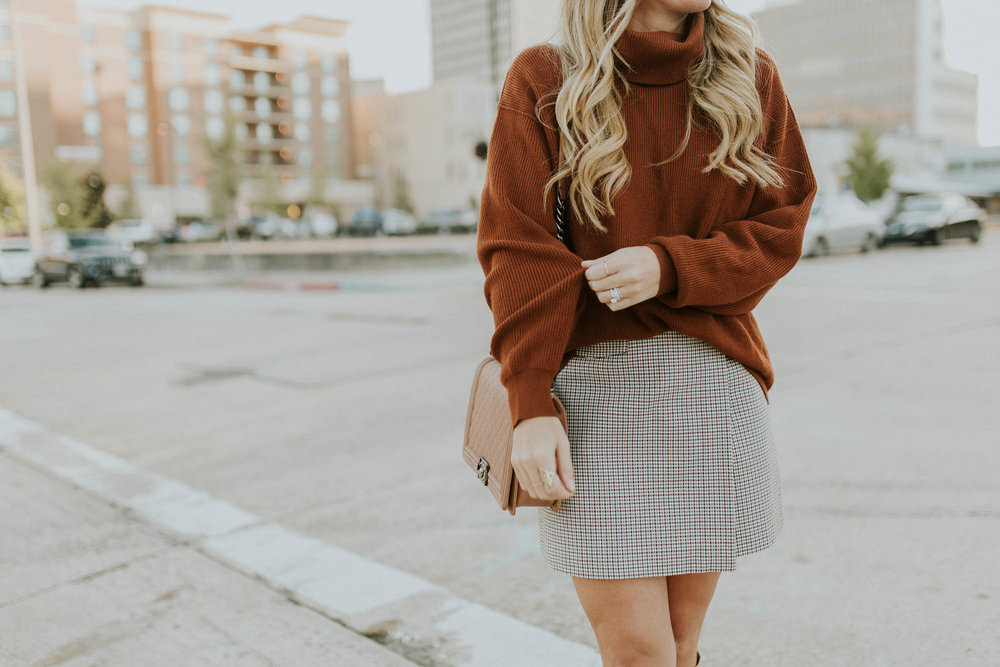 Blogger Gracefully Taylored in Free People Sweater and Theory Skirt(18).jpg