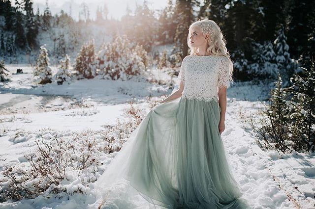 Let it go, LET IT GOOOOO!! ❄️❄️❄️ . . Photo by @AshleyHayesPhotography Hair Styling and Vision @CrownsofGoldStyling  Model @Taylorvandyken  Airbrush Makeup by me! . . . #BellinghamMakeupArtist #LyndenMakeupArtist #BellinghamBride #FerndaleBride #AirbrushMakeup #BridalMakeup #Mtbaker #PNWbride #winterbride #classicbridalmakeup #Tahoebride #leavenworthwedding