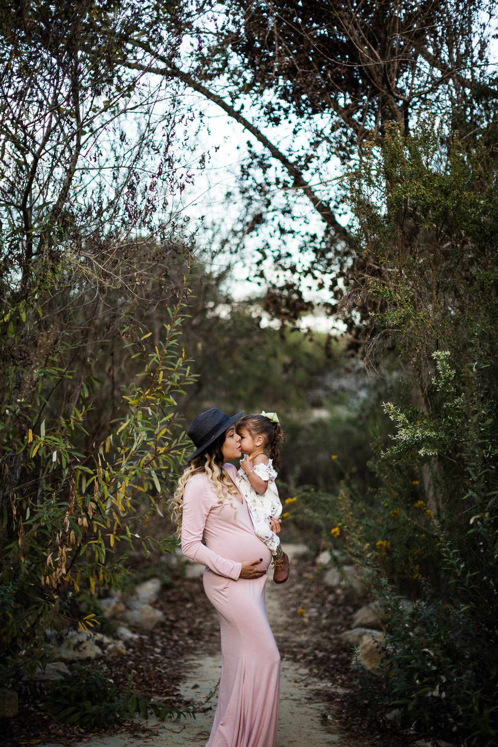 Santa_Barbara_Maternity_Photographer11.jpg