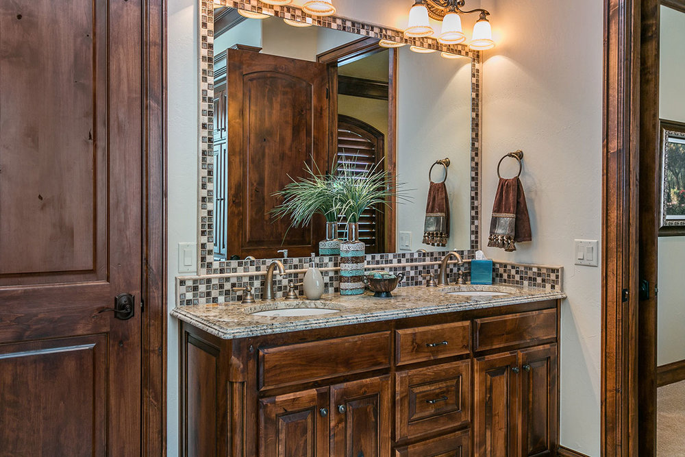 Bathroom-2-Vanity.jpg