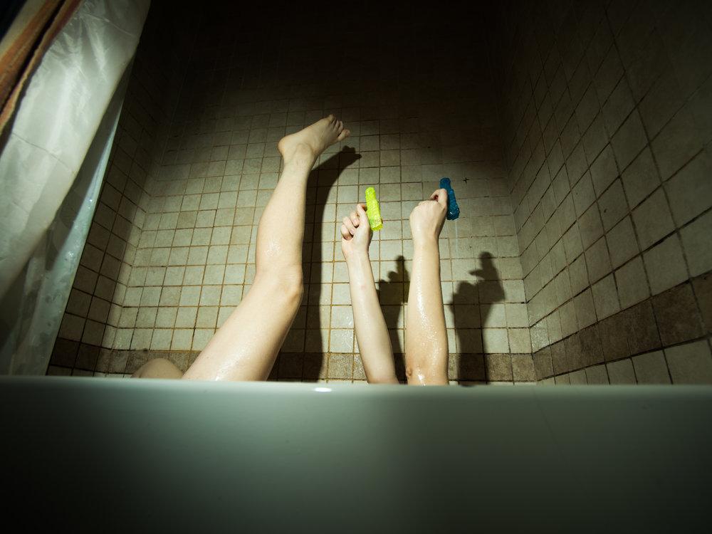 Benjamin-Bathtub-Noir-1.jpg
