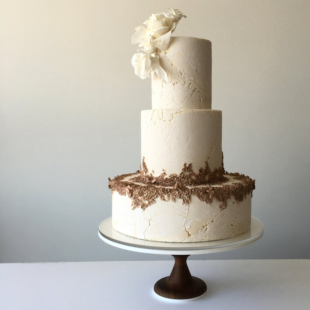 crackle effect wedding cake
