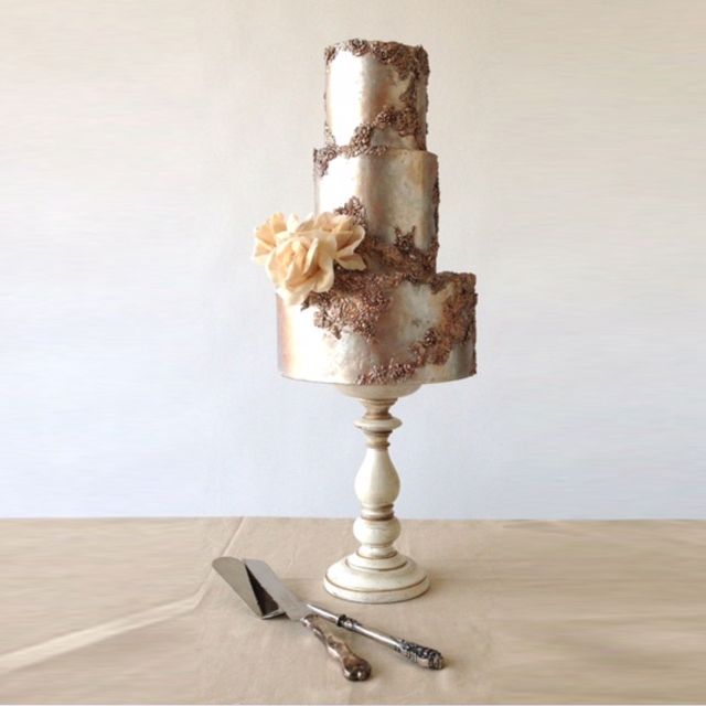"metallic ""bas relief"" ""wedding cake"" ""mixed metals"" sugar flowers"