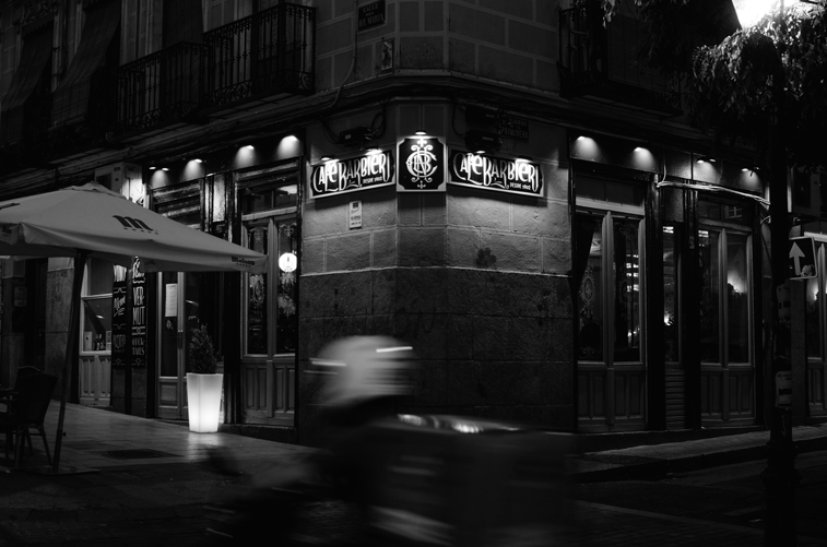 Café Barbieri de noche