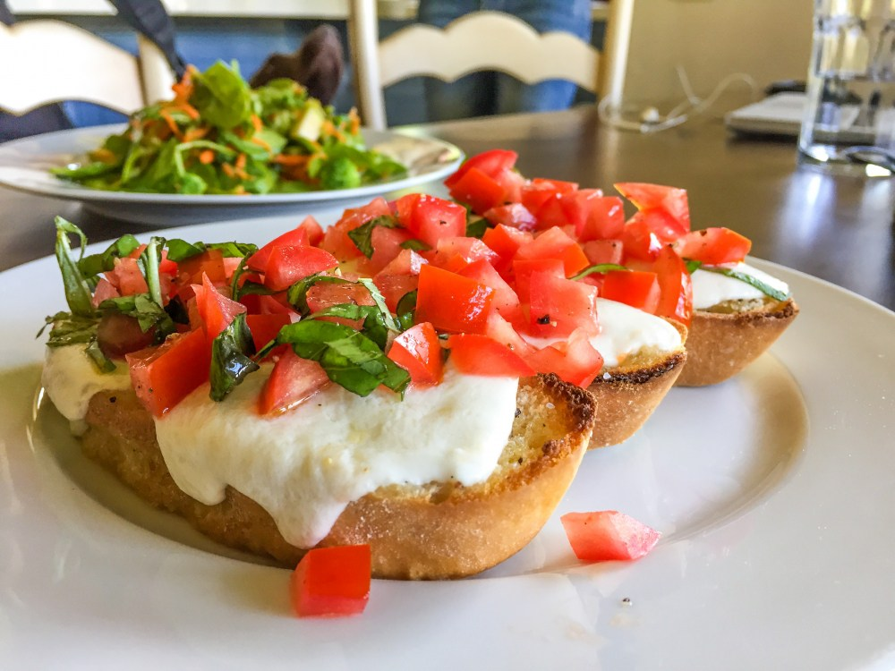 bruschetta.toamtoes.jpg