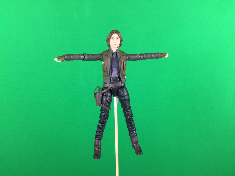 change to T pose or A pose so mixamo can rig it