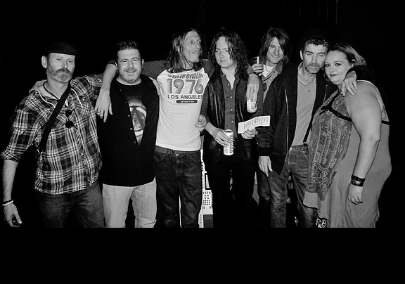 Terry, Paul, Al, Craig, Neil, Rik and Mariebeth backstage at The Classic Grand, Glasgow 2016. Photograph by Brian Anderson, Glasgow Eyes Magazine.