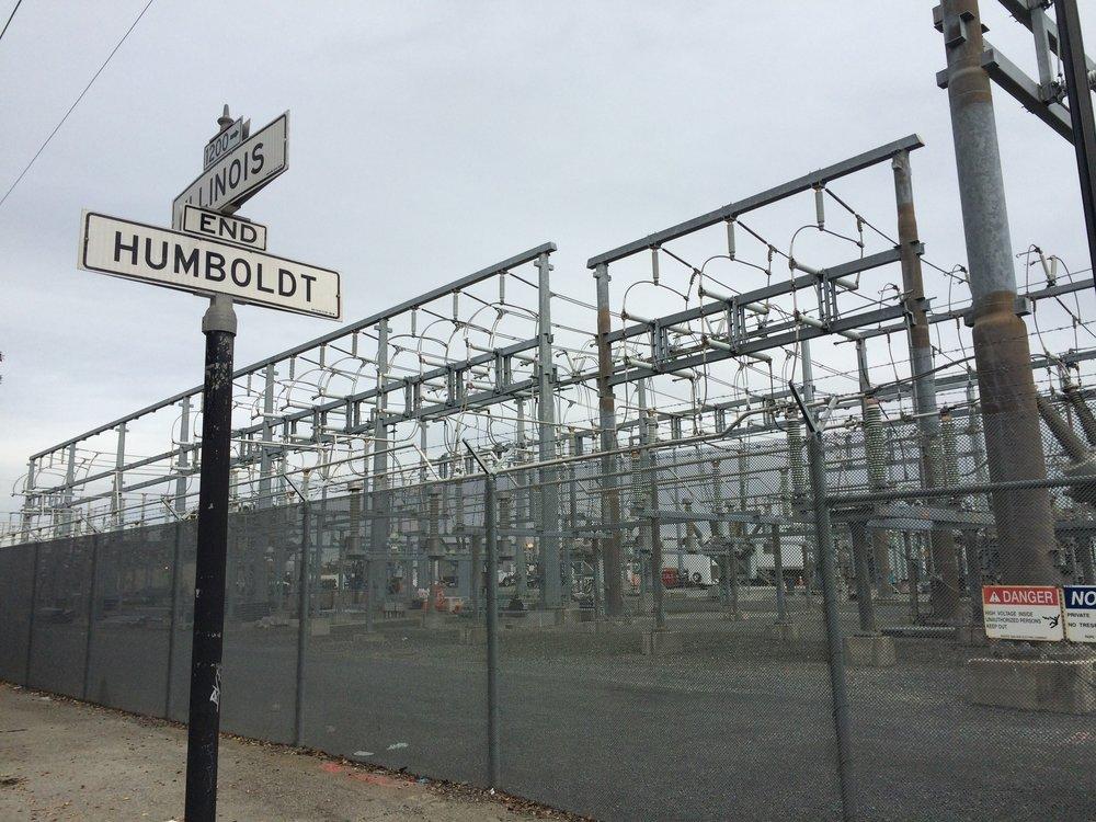 Au grand Humboldt n'est attribuée qu'une maigre allée entre deux parcs de tranformateurs