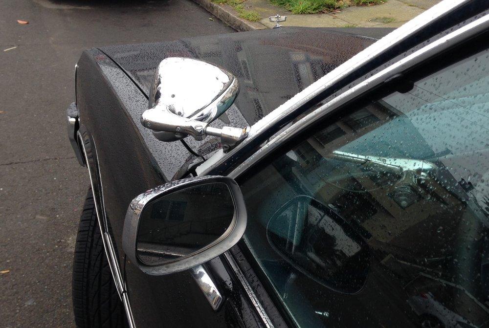 La torche panoptique et mécanique des véhicules de police