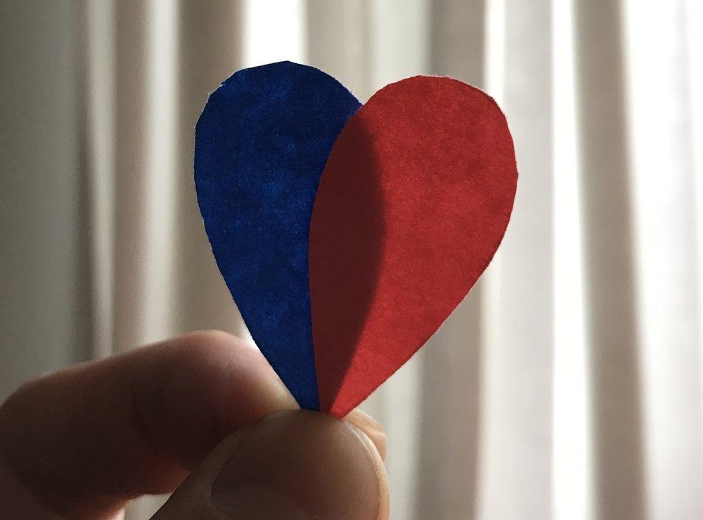 Ce n'est pas un, mais deux coeurs, qui battent dans nos poitrines.