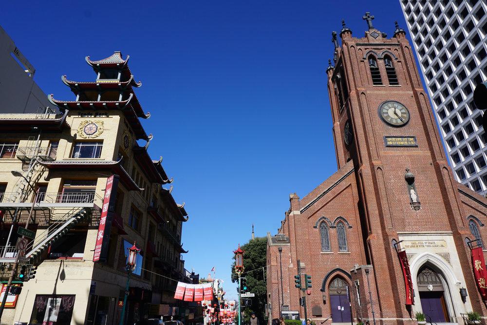 L'ancienne cathédrale Old Saint Mary se trouvait en plein Chinatown.