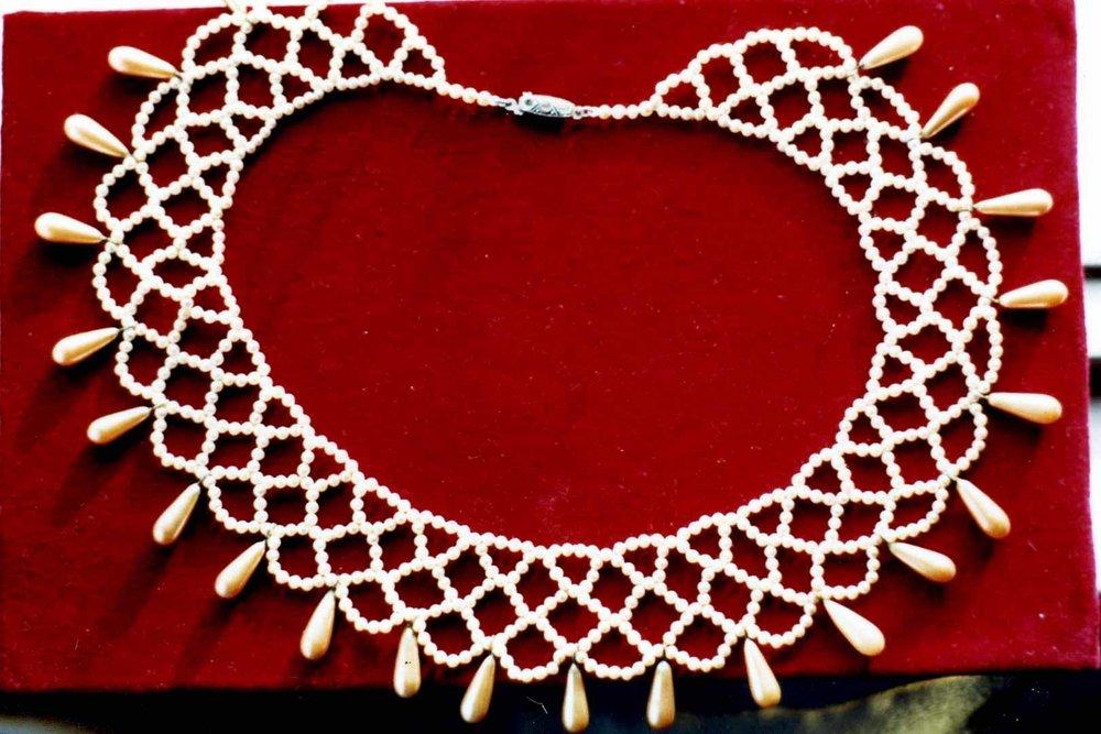 lace collar.jpg