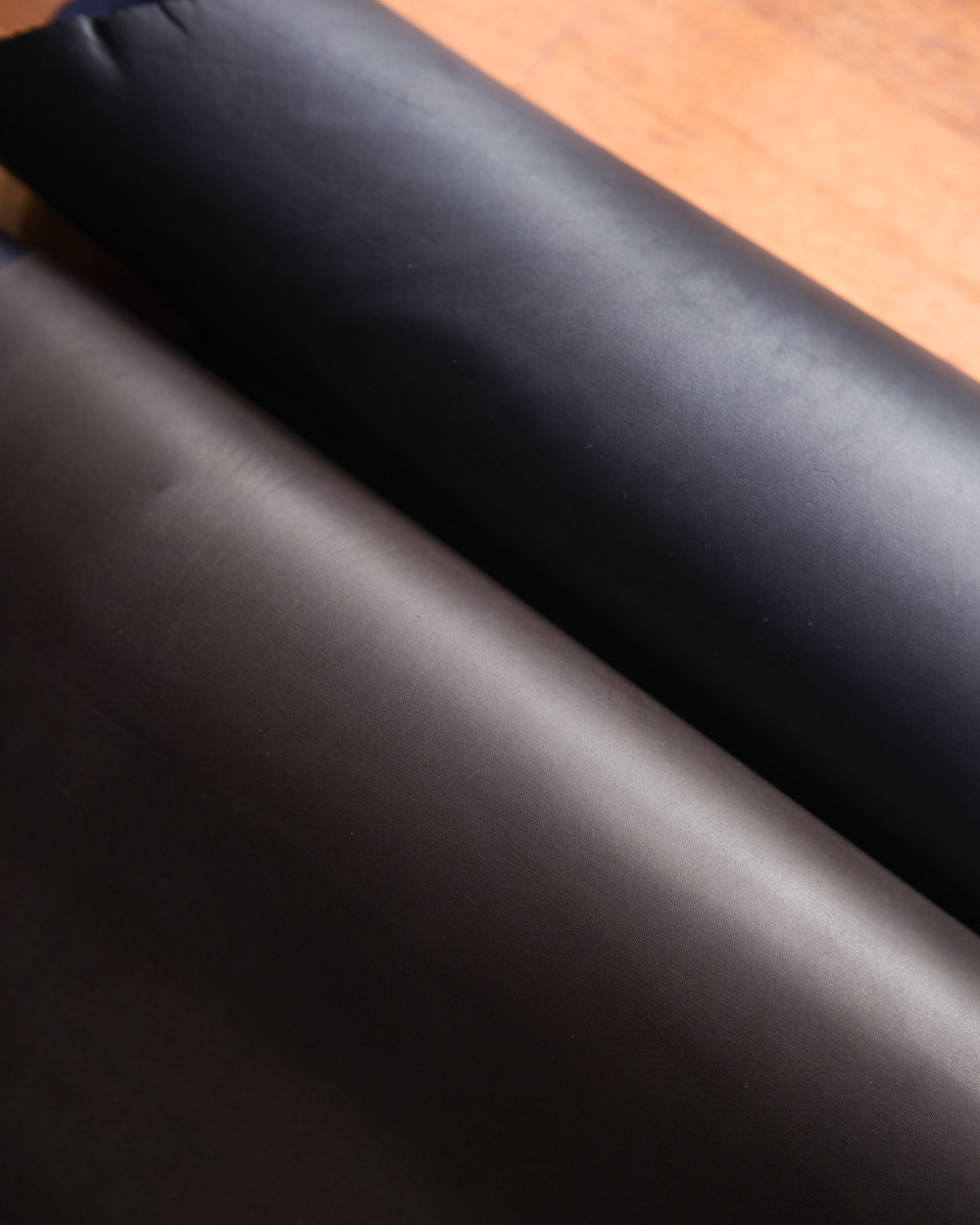 ebony suportlo (bottom), dark navy baranil (top)