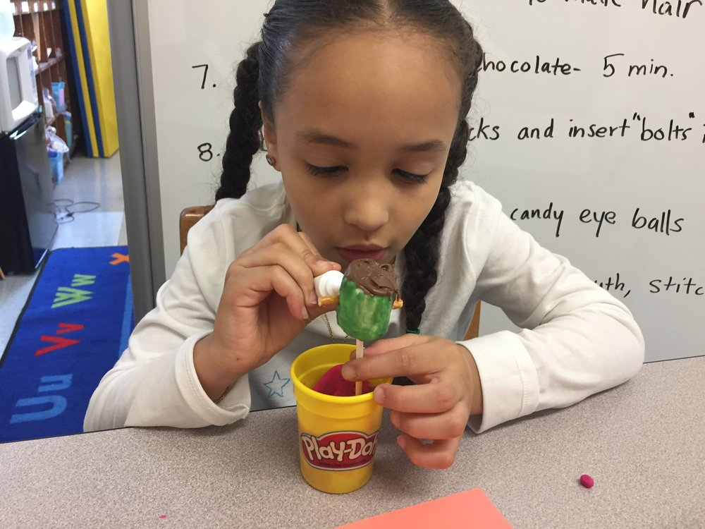 This past week, some of Ms. Meslin's students created edible treats to practice their fine motor skills and  following directions .