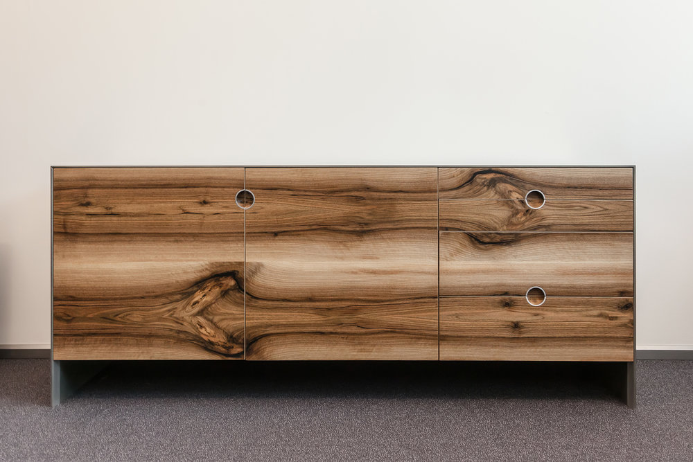 chest_of_drawers-alm_01.jpg