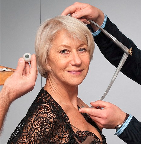 HELEN MIRREN  Madame Tussauds London Sitting Sculptor - Stephen Mansfield Figure Photographer - Mel Brown Copyright - Merlin Magic Making