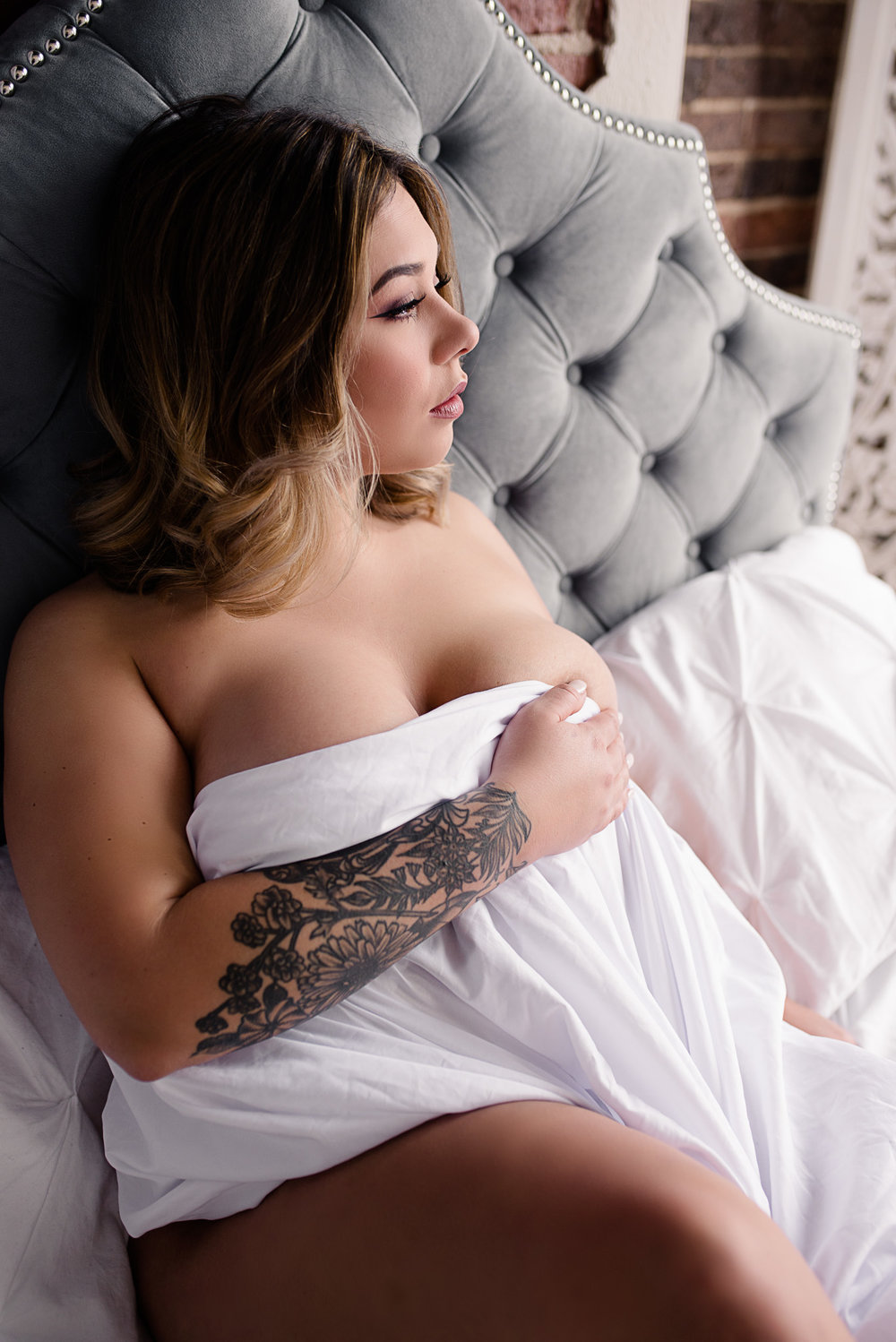 whitesheetboudoirsession