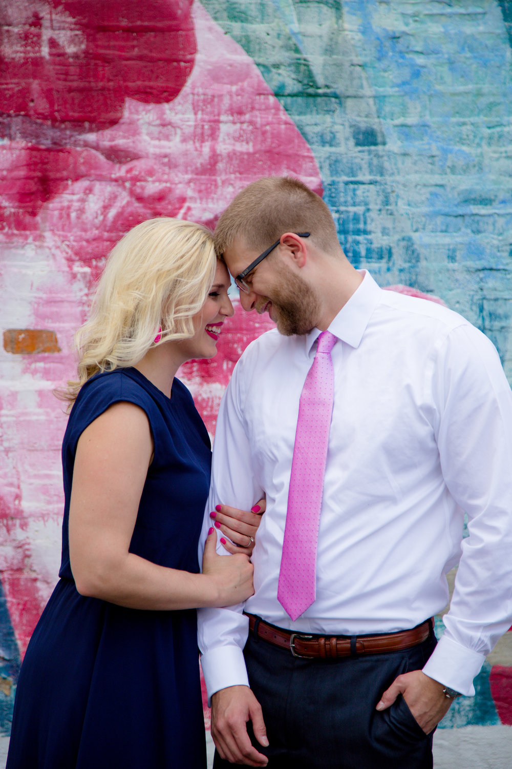 downtown columbus mural engagement session | Columbus Wedding Photography (c) 614 Wedding Photography
