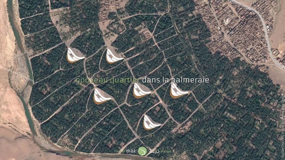 En créant des nouvelles parcelles, mieux adaptées aux besoins de l'agriculture oasienne et compris le système d'arrosage approprié, selon les recommandations de l'Institut National de la Recherche Agronomique.