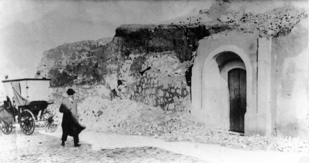 Capilla de San Juan de Dios en la caserna del baluarte de su nombre, donde la tradición dice que dormía el santo en su estancia en la Ciudad.
