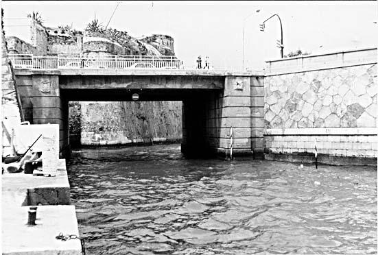 Puente nuevo del Cristo proyectado por el ingeniero Marciano Martínez Catena en 1935.
