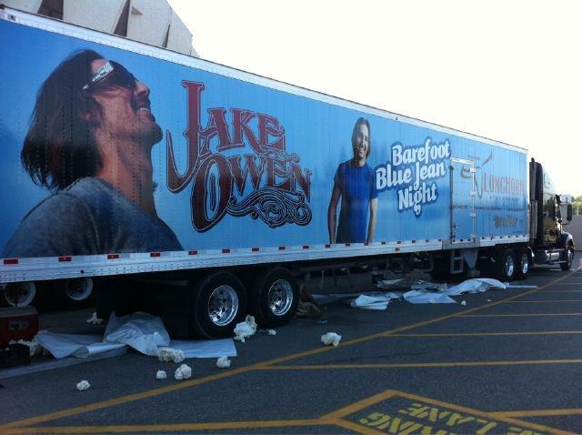 Jake Owen Semi Truck - CountryMusicRocks.net.jpeg