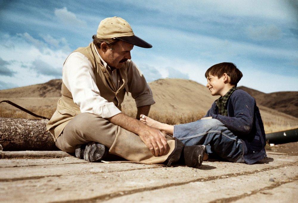 Capa, 1941, Ernest Hemingway em momento particular com o filho Gregory