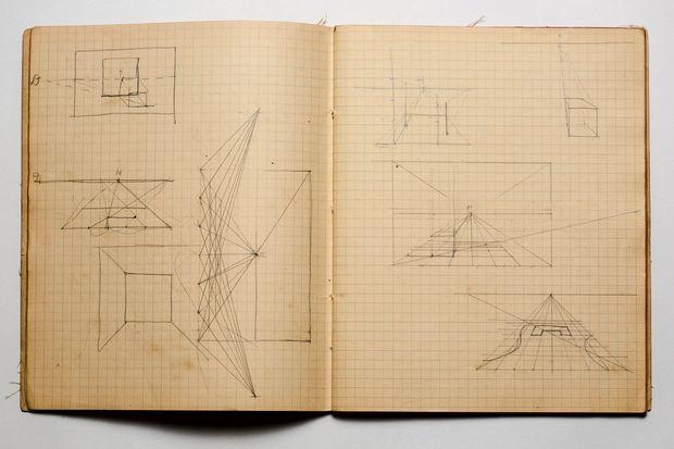 Desaparecido desde 1985, o Caderno contém muitas referências, como estudos de geometria