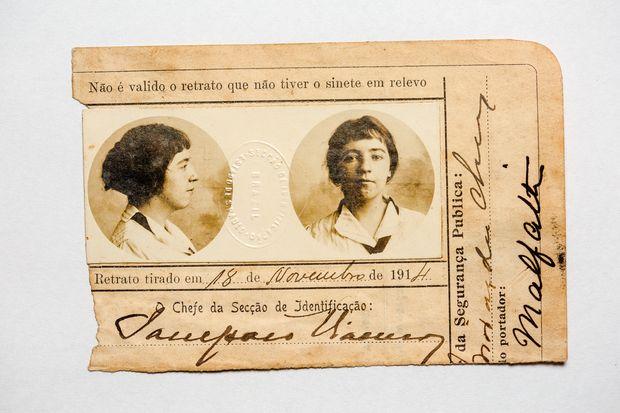 Dentro do Caderno, o passaporte de 1914, ano da primeira exposição individual de Anita