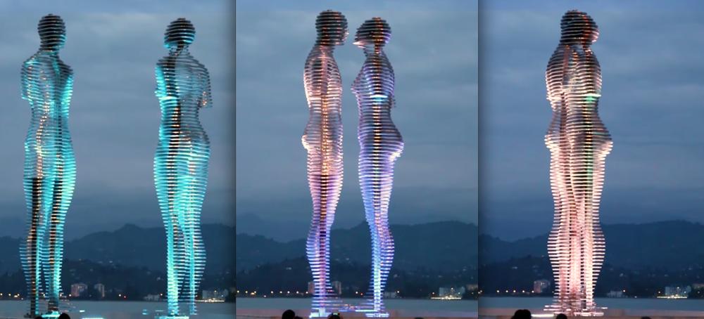 Tamara Kvesitadze, Homem e Mulher, 2010, metal e fibra de vidro, 7 m, em Batumi, Georgia
