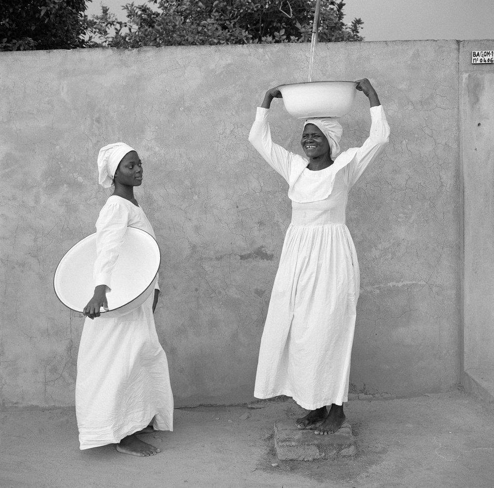 Jean-Jacques Moles, Jeanne e Isabelle cristãs celestiais, em Cotonou, Benim, 1998