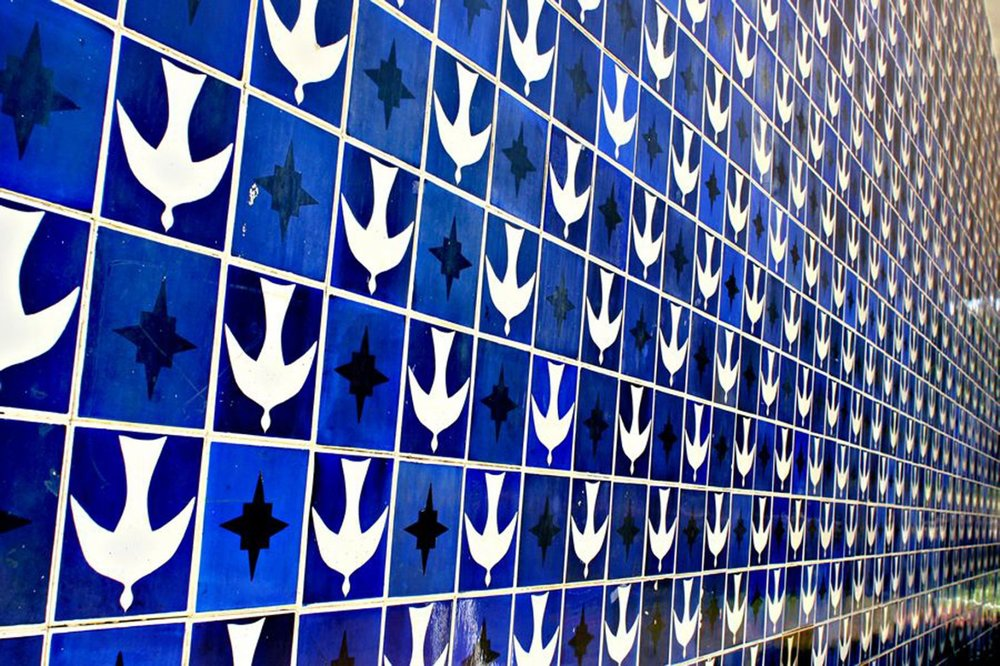 Athos Bulcão, painel, azulejos,Igrejinha de Nossa Senhora de Fátima, Brasília, Brasil