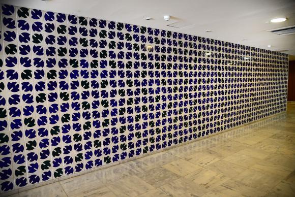 Obra de Bulcão é destaque entre 146 pinturas e 17 esculturas no Palácio do Planalto, Brasil