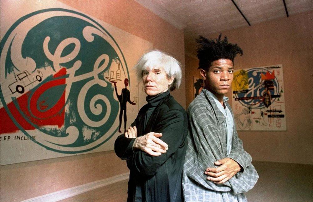 Andy Warhol e Basquiat produziram e expuseram juntos em Nova York, em 1985