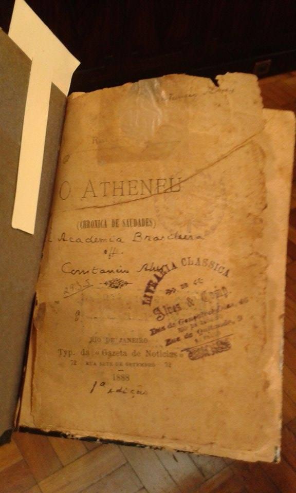 A primeira edição foi lançada em 1888, surpreendendo os intelectuais daquela época