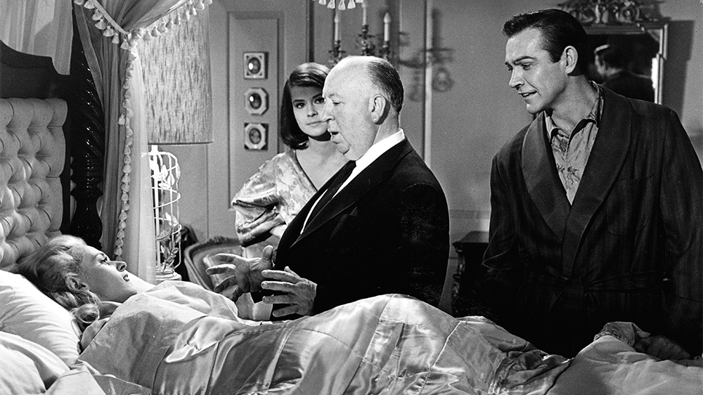 """Recentemente, Tippi Hendren, que atuou em """"Os Pássaros"""" (1963)e """"Marnie, confissões de uma ladra"""" (1964)acusou Alfred Hitchcock de assédio sexual e abusos durante as filmagens"""