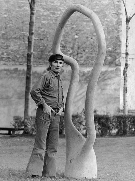 Frans Krajcberg em março de 1975