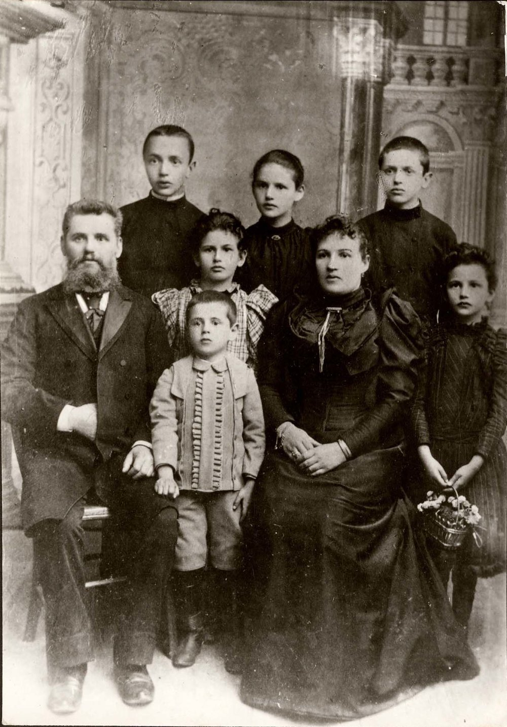 Lasar Segall, o caçula, com pais e irmãos, em 1897, em Vilnius, capital da Lituãnia