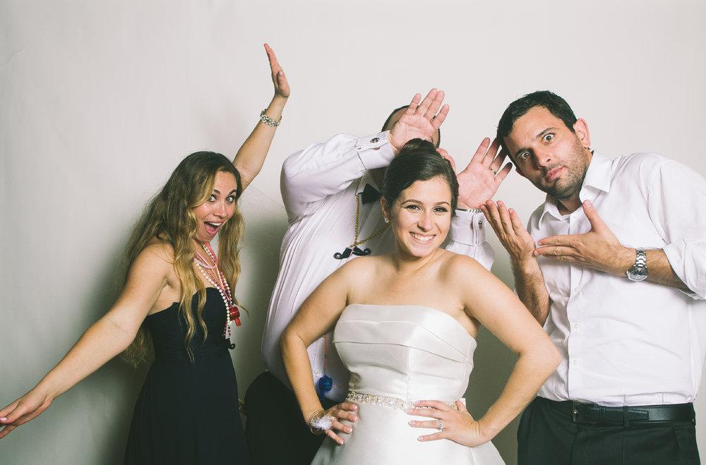 Marelys + Oscar Wedding Wackybooth Photobooth35.jpg