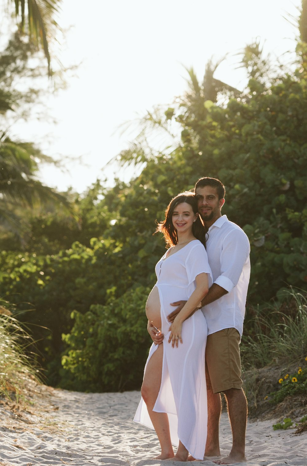 Voilet + Andy Maternity Shoot19.jpg