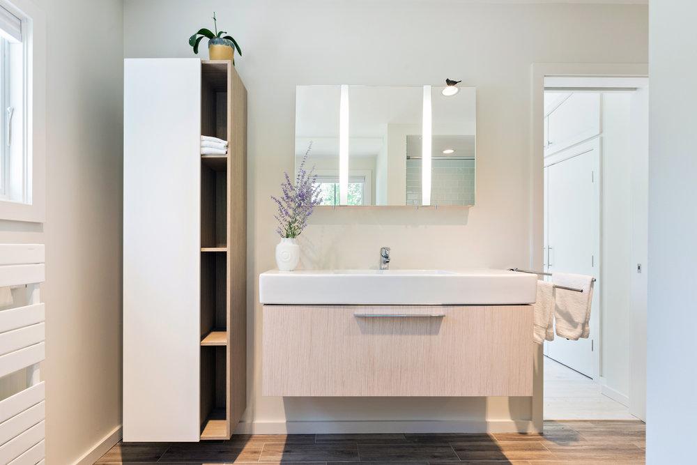 scargo_master bathroom.jpg