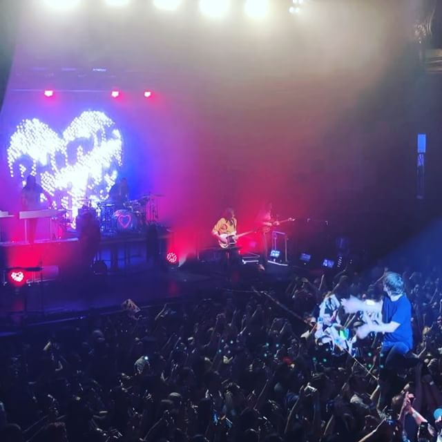 🎶 I love you! Ti amo! Je t'aime! ¡Te quiero! It's not love but wait 🎵 @wearephoenix
