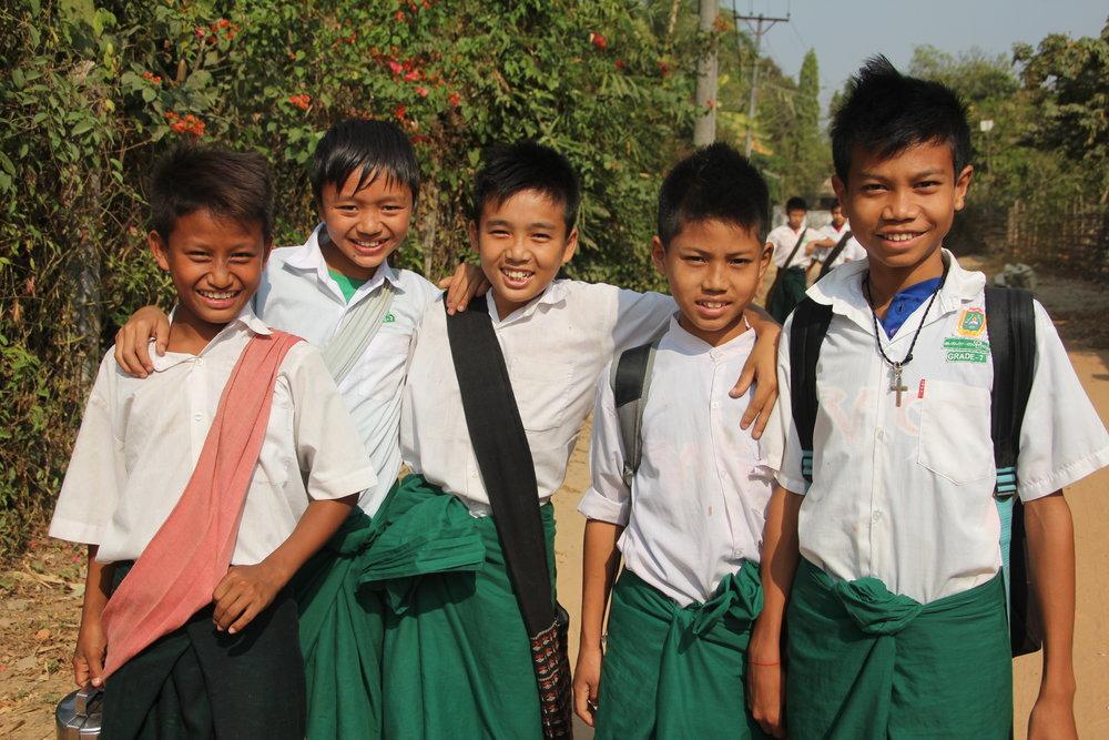 Burmese school children