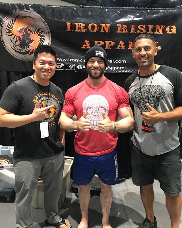Really enjoyed watching this guy do his thing this weekend! Very nice meeting you @phdeadlift! Thanks for taking a few minutes to chat! — #ironrisingapparel #kernfitnessexpo