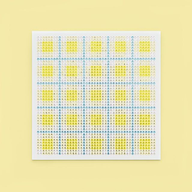 Madras Plaid Lemon Yellow Photo by @goneserious . . . #geometric #geometricart #mixedmediaart #collage #crystalart #crystalcollage #crystalmosaic #Swarovski #Swarovskicrystals #Swarovskiart #Swarovskimosaic #gridart #geometric #geometricart #mixedmediaart #gridart #plaid #textilepattern #madrasplaid #plaidart #printedbyskinkink