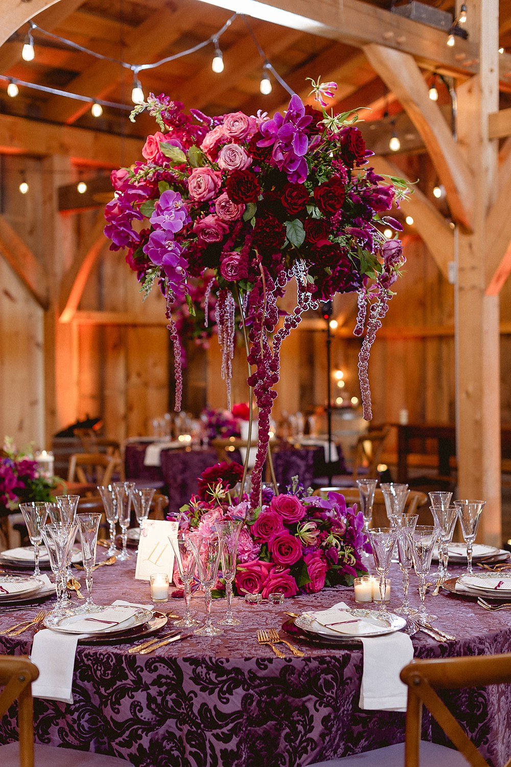 Orchid-and-roses-centerpiece-Barn-at-Lord-Howe-Valley