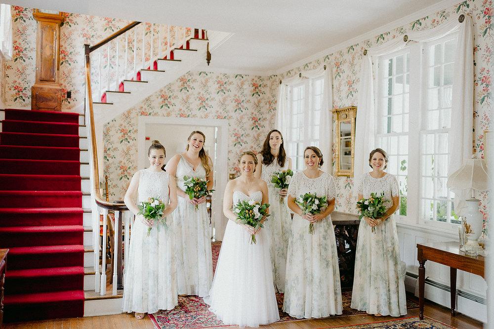 Love love LOVE the floral bridesmaids dresses!